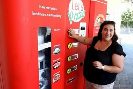Video: Dieser Automat backt frische Pizza