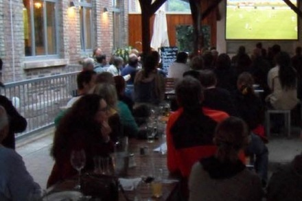 Location-Check: Public Viewing im Vorderhaus