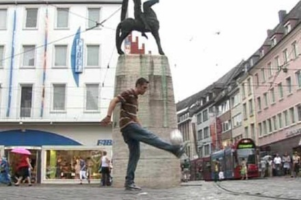 Video: Freiburg Kicking