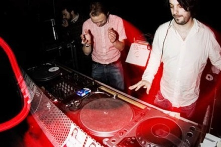 Nightlife Guru: Alex Dallas & Kalabrese bei root down