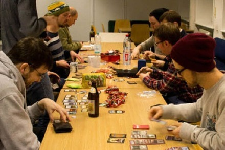 """Magic: The Gathering"" in Freiburg: Magieduelle im Mathe�bungsraum"