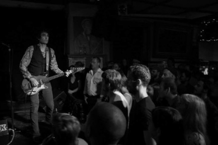 Jon Spencer im Café Atlantik: Ladies and Gentlemen, Bluuuuuuues Exploooosion!