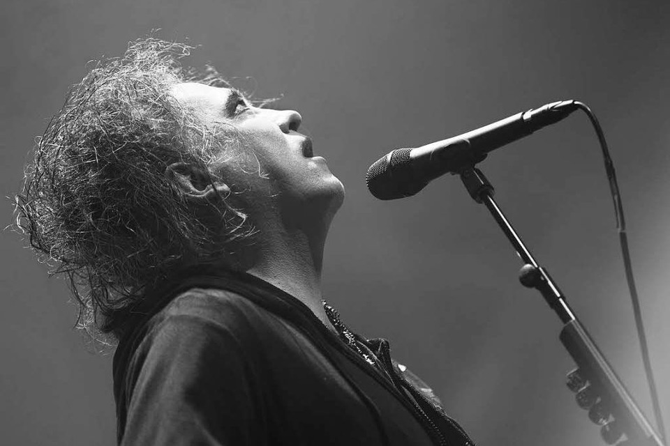 Robert Smith war in Basel stimmlich in Top-Form. (Foto: Carlotta Huber)