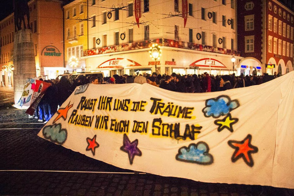 Die Demonstration am Bertoldsbrunnen. (Foto: Markus Wichmann)
