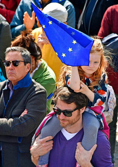 """Pulse of Europe"" in Freiburg auf dem Augustinerplatz (Foto: Michael Bamberger)"