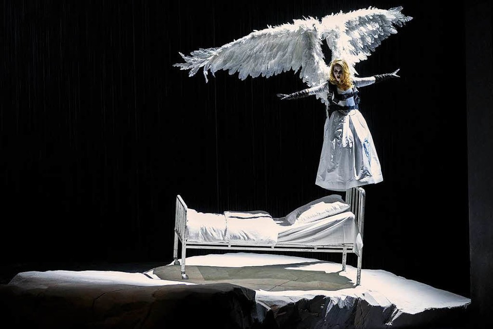 Angela Falkenhan in Angels in America (Foto: Rainer Muranyi)