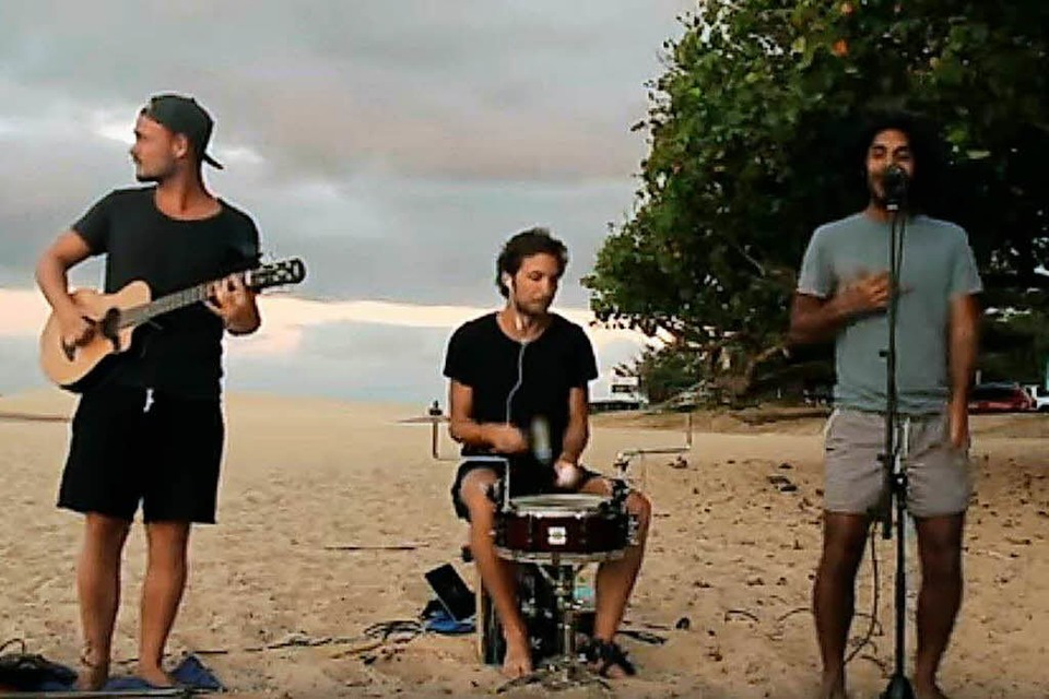 "Die  Band Juri im Musikvideo zu ""Katerschmerz"". (Foto: Screenshot)"