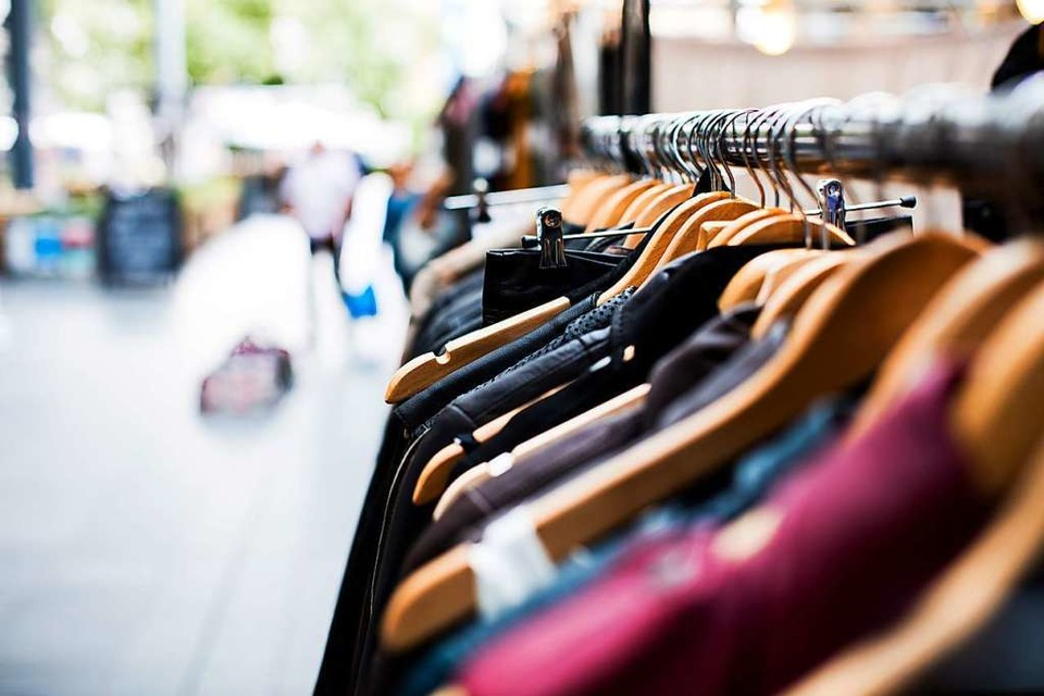 Wo hin, wenn man in Freiburg Second-Hand shoppen will? (Foto: Unsplash)