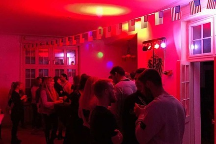 Nightlife-Guru: Auf der Frat Party der Studentenverbindung Neoborussia