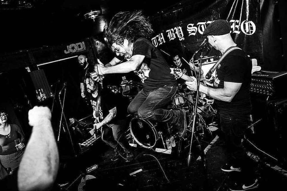 Death by Stereo: Die kalifornische Hardcore-Band zerlegt am Pfingstsonntag das Freiburger Crash. (Foto: Promo)