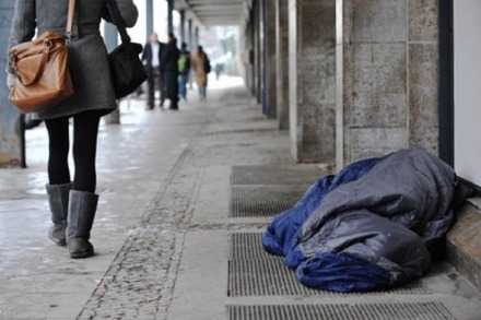 Obdachlose in Not: So handelst du richtig