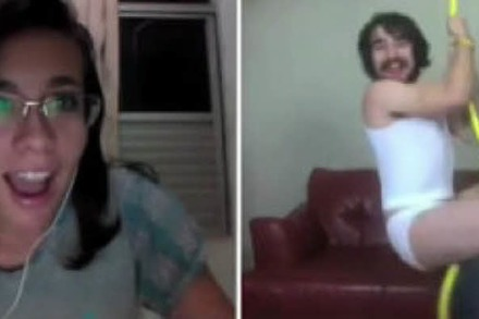 Video: Steve Kardynal parodiert Miley Cyrus auf Chatroulette