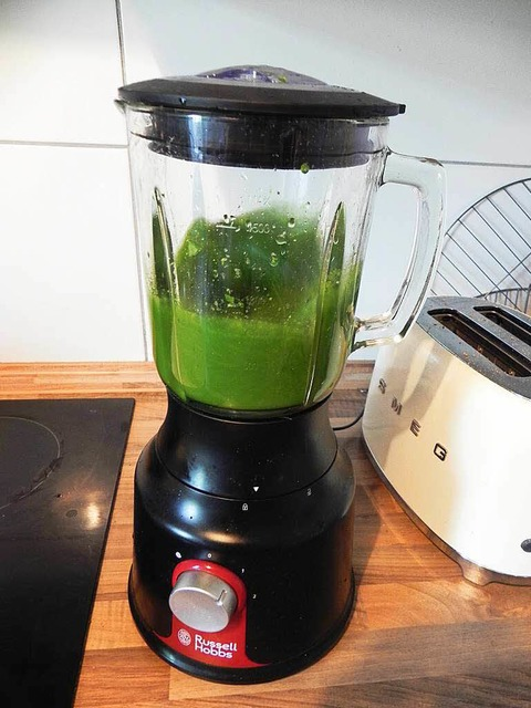 Glowing Green Smoothie – nachher (Foto: Anna Preibisch)