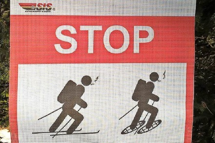 Stop Smoking and Skiing!
