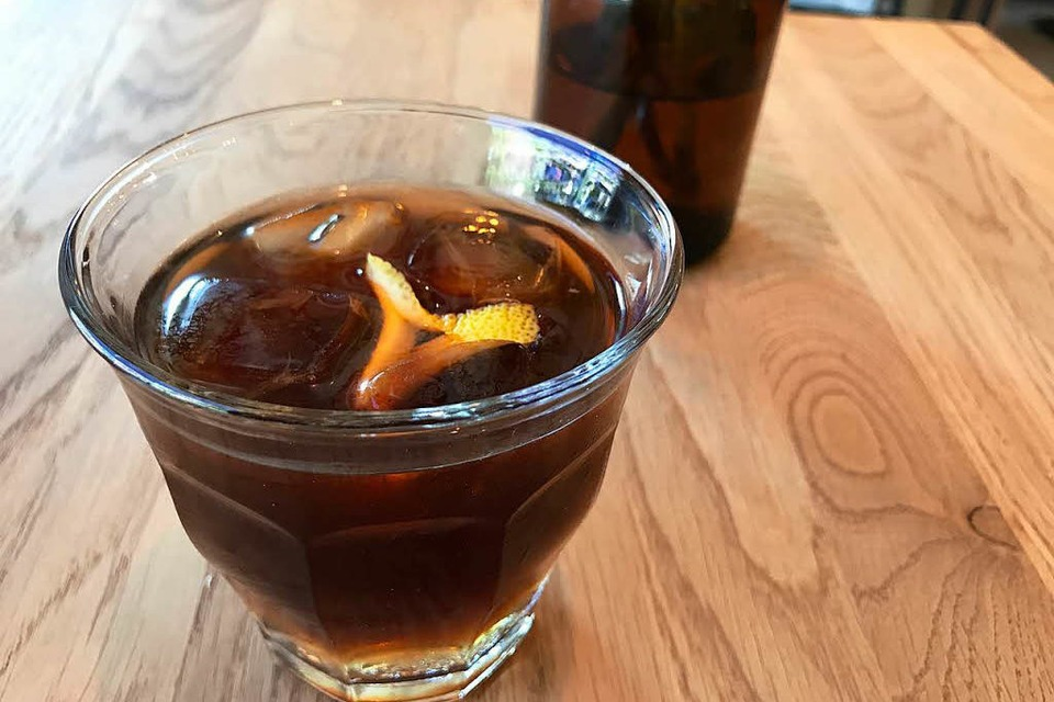 Den Cold Brew Tonic gibt es bei Günter Coffee Roasters in Günterstal (Foto: Dorothea Winter)