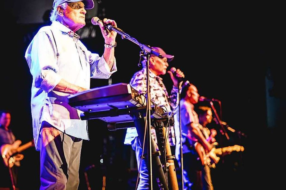 Bruce Johnston, Mike Love und die neuen Beach Boys (Foto: Janos Ruf)